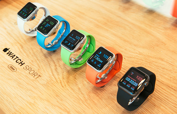 bigstock-Apple-Watch-Starts-Selling-Wor-87563378