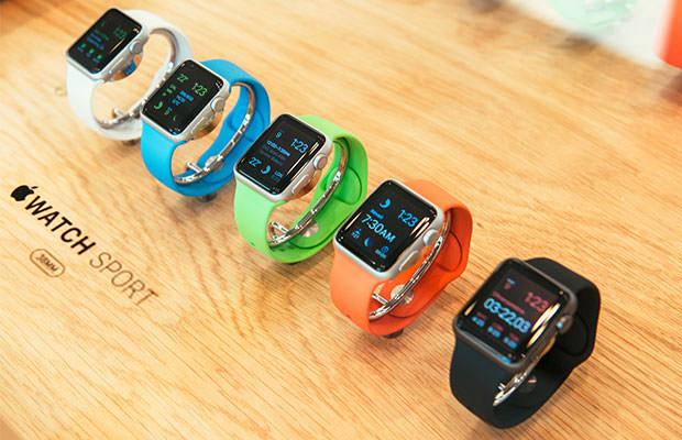 bigstock-Apple-Watch-Starts-Selling-Wor-87563378