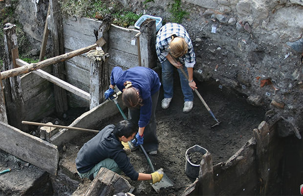 bigstock-Archeologists-At-Work--949146