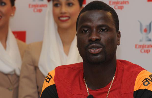 Eboue-Praying-For-An-Arsenal-Return